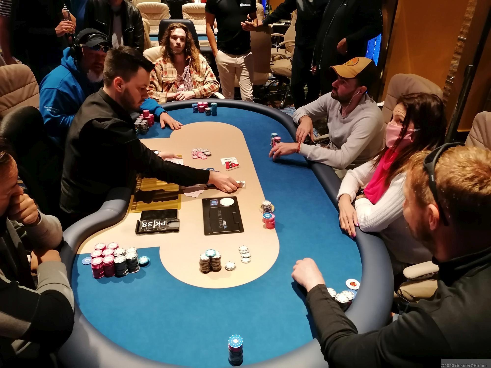 Pokerreise im Jassbus